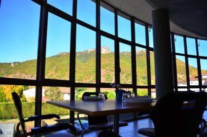 Salle à manger avec vue